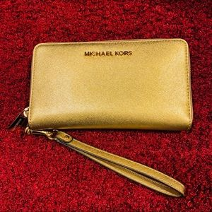 NWT Michael Kors Gold Leather Wristlet/Wallet